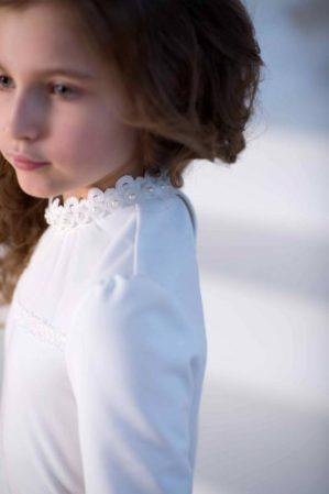 Блузка школьная трикотажная молочная