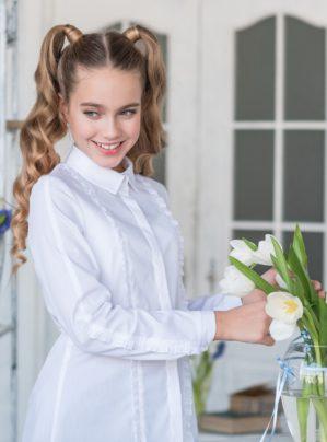bluzka-shkolnaya-belaya-anya